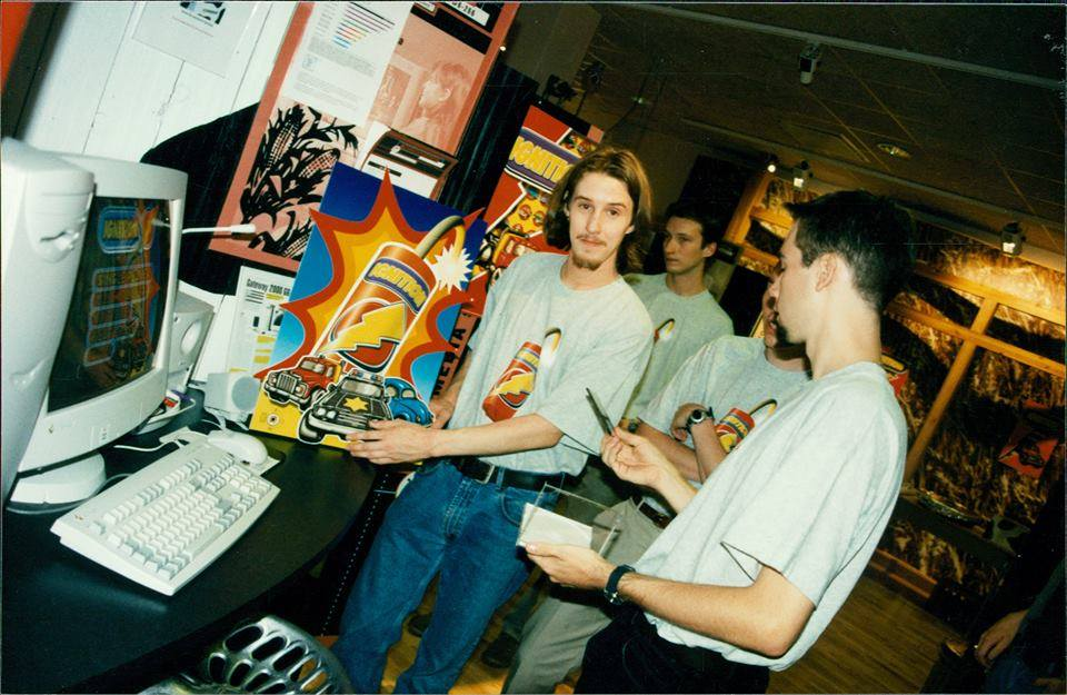 After the release of 'Substation', UDS moved to the PC market. Here we see Oskar at a promotion booth of their next title, the racing game 'Ignition'.